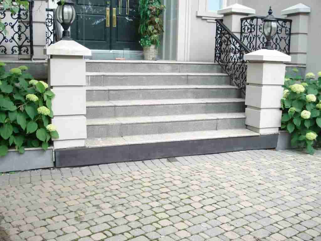 40-Services-Concrete-steps-are-repaired-quickly-and-easily-with-FinalcreteT